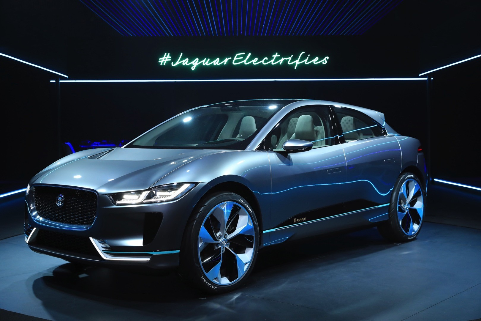 Jaguar Land Rover Wants To Build Evs In The Uk The I Pace Won T Be One Of Them Autoevolution