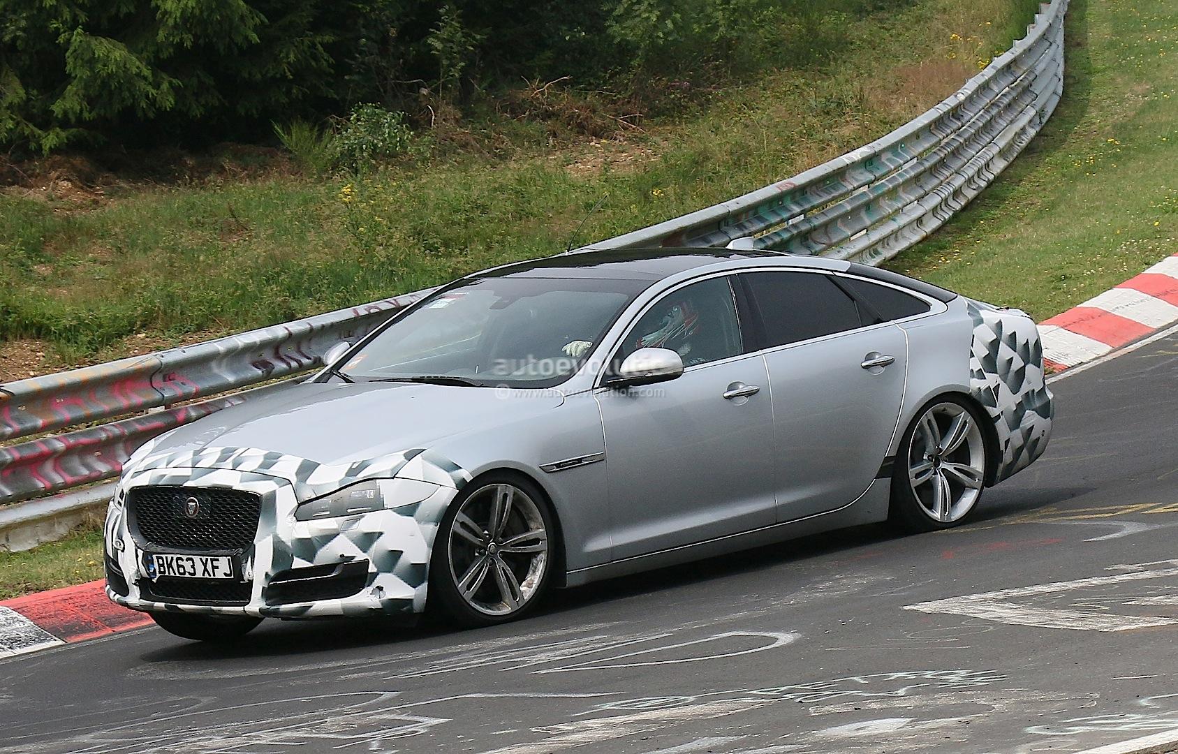 jaguar xj facelift tested on the nurburgring nordschleife autoevolution. Black Bedroom Furniture Sets. Home Design Ideas