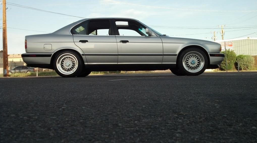 Jalopnik Helps You Pick A Bmw E34 M5 Autoevolution