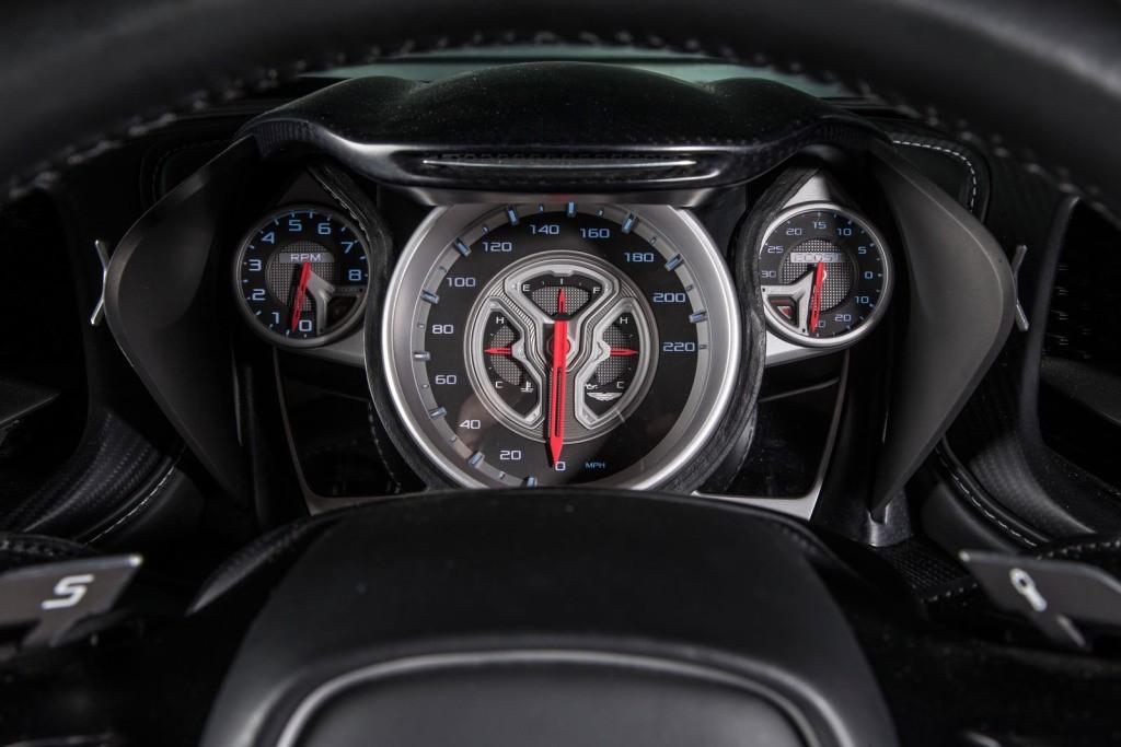 Aston Martin DB Does Burnout In Dynamic James Bond Spectre - James bond aston martin db10