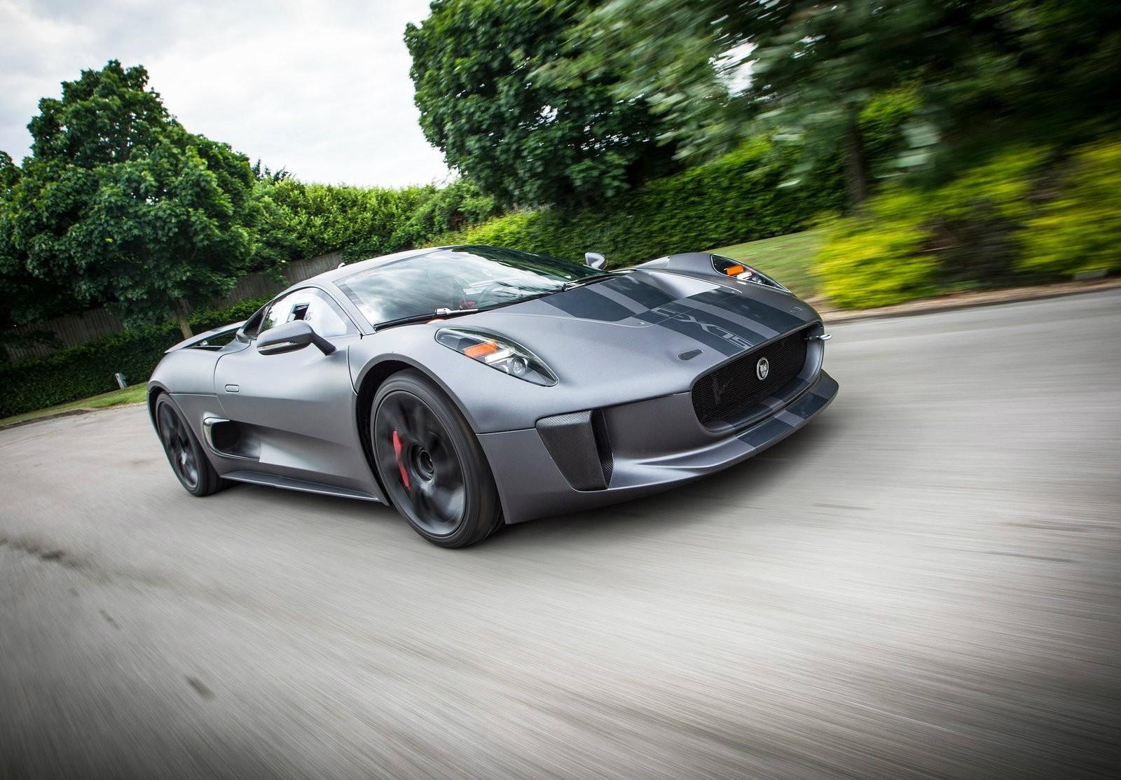 James Bond Spectre To Star Jaguar C X75 It S The Baddie S