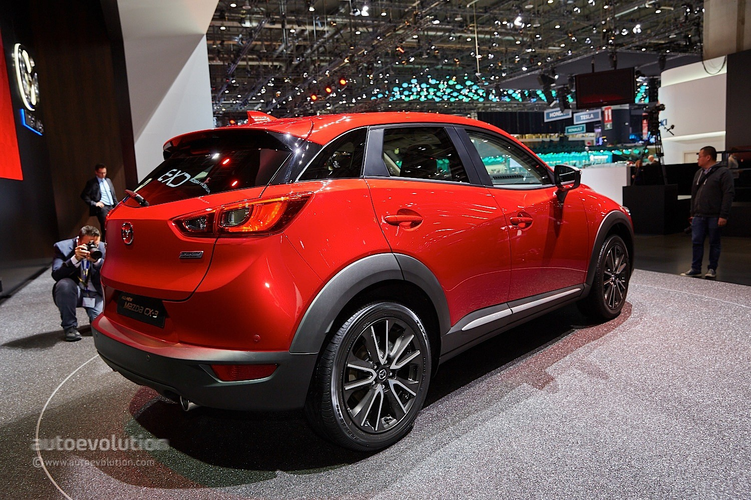 japan mazda receives over 10 000 cx 3 orders in one month autoevolution. Black Bedroom Furniture Sets. Home Design Ideas