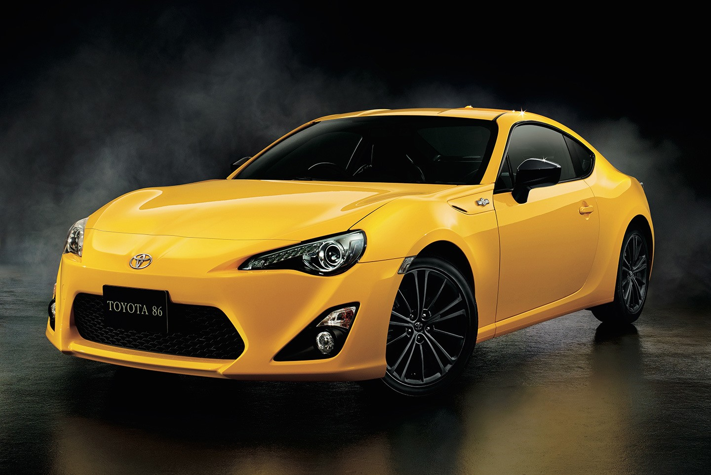 japanese toyota gt 86 yellow limited edition is all about the rear spoiler autoevolution. Black Bedroom Furniture Sets. Home Design Ideas