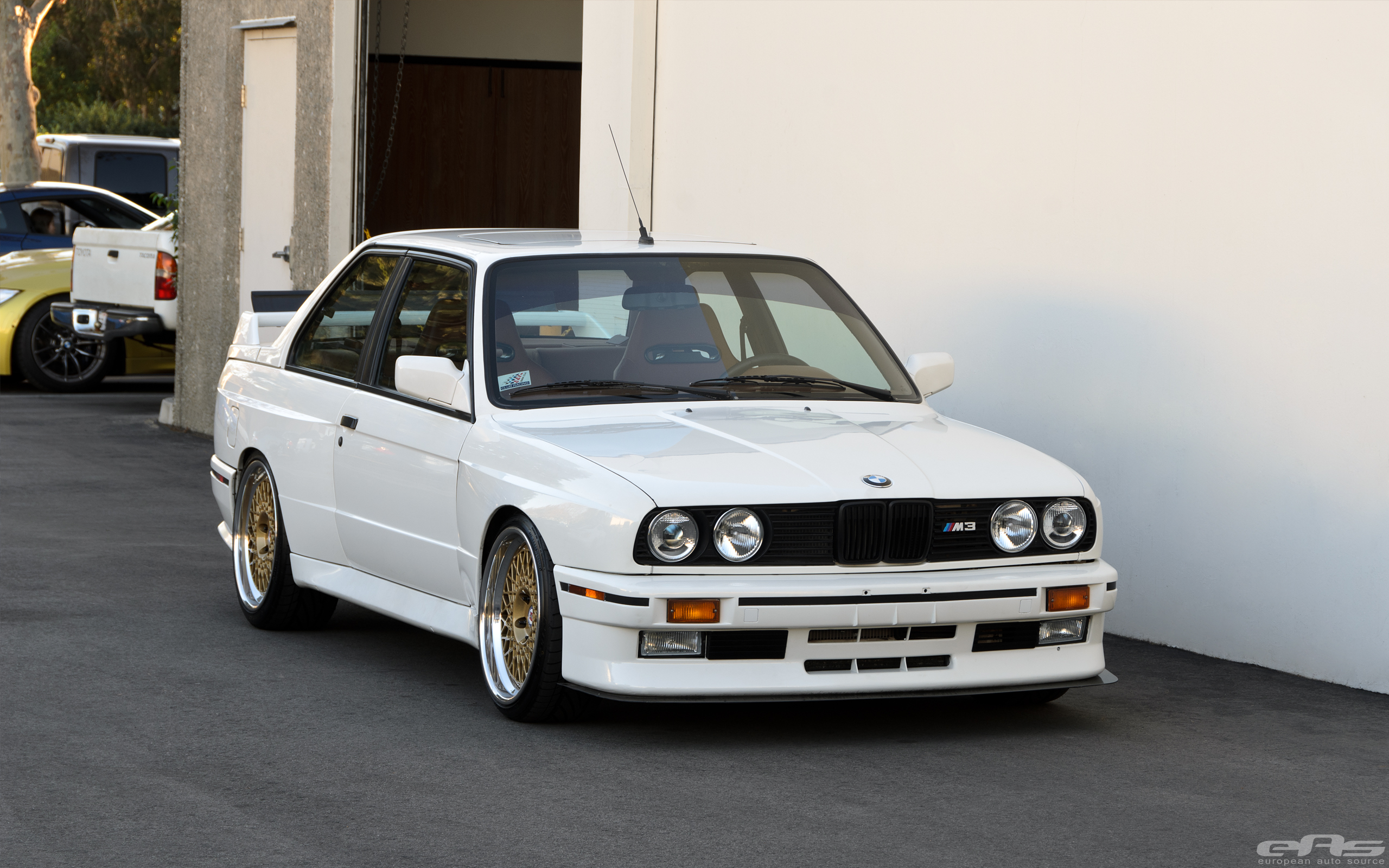 Jaw Dropping E30 M3 Will Turn You Into An Old School Bmw