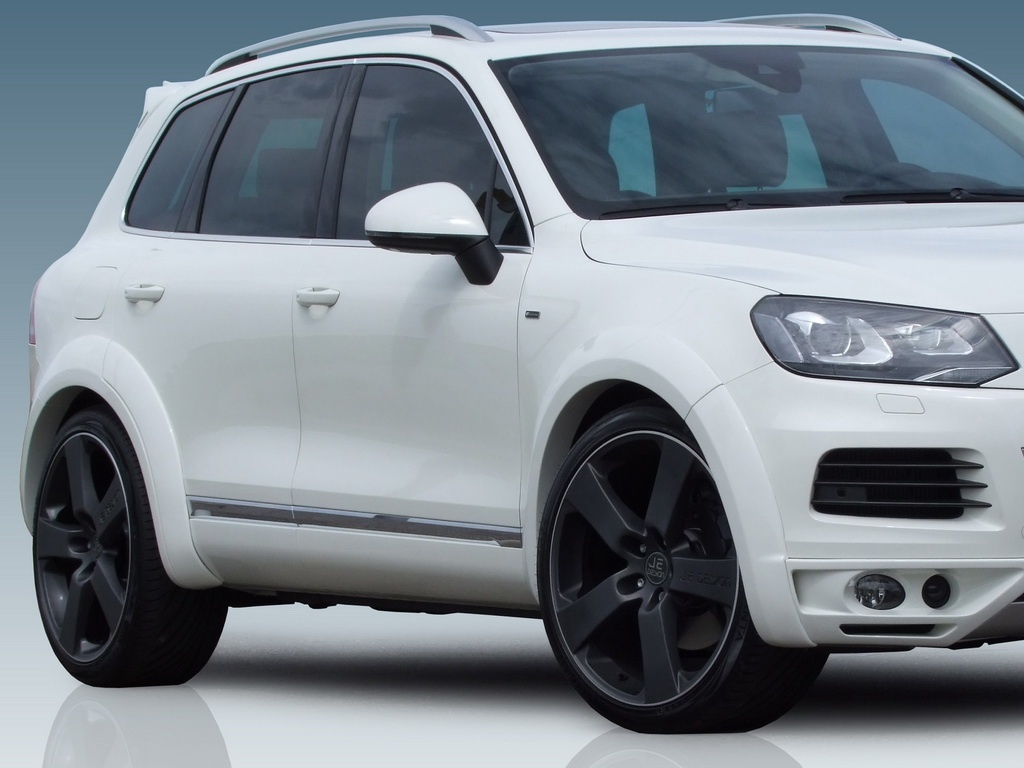 Je Design Introduces the 440 HP VW Touareg Hybrid