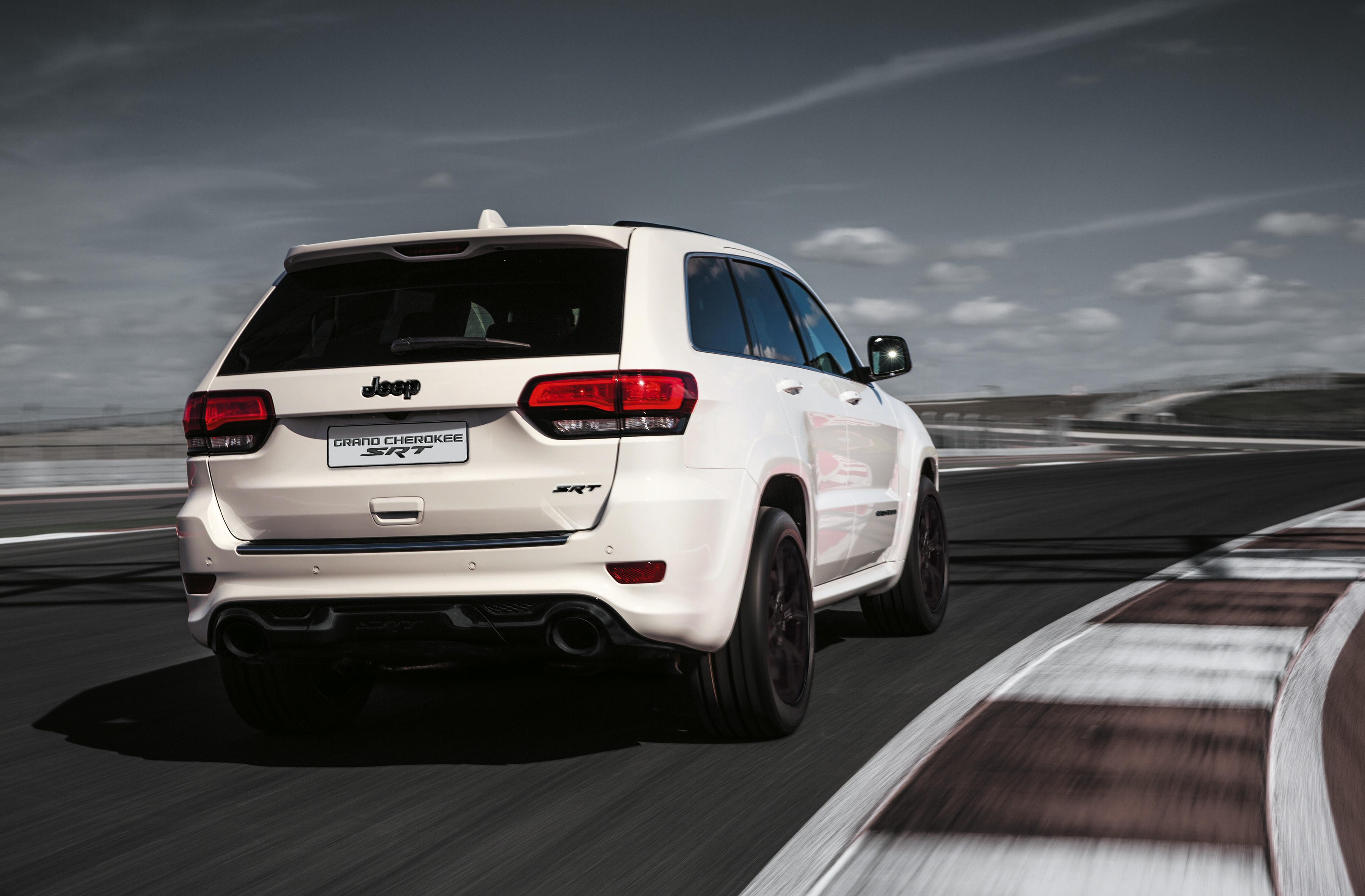 New Jeep Grand Cherokee Lineup Grows With SRT Night Edition In