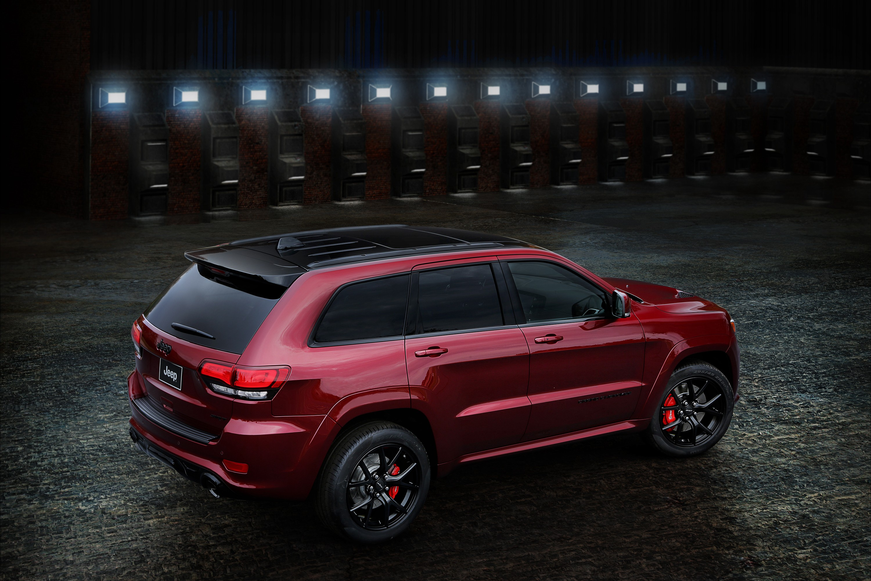 jeep grand cherokee lineup grows with srt night edition in the united kingdom autoevolution. Black Bedroom Furniture Sets. Home Design Ideas