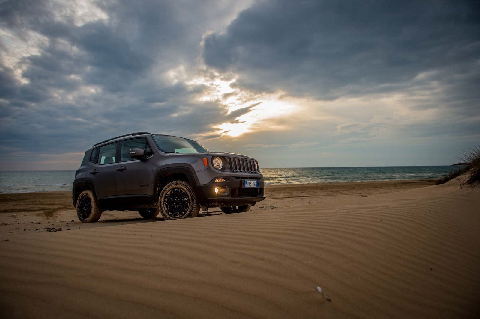 Jeep Renegade Receives Night Eagle Special Edition Autoevolution