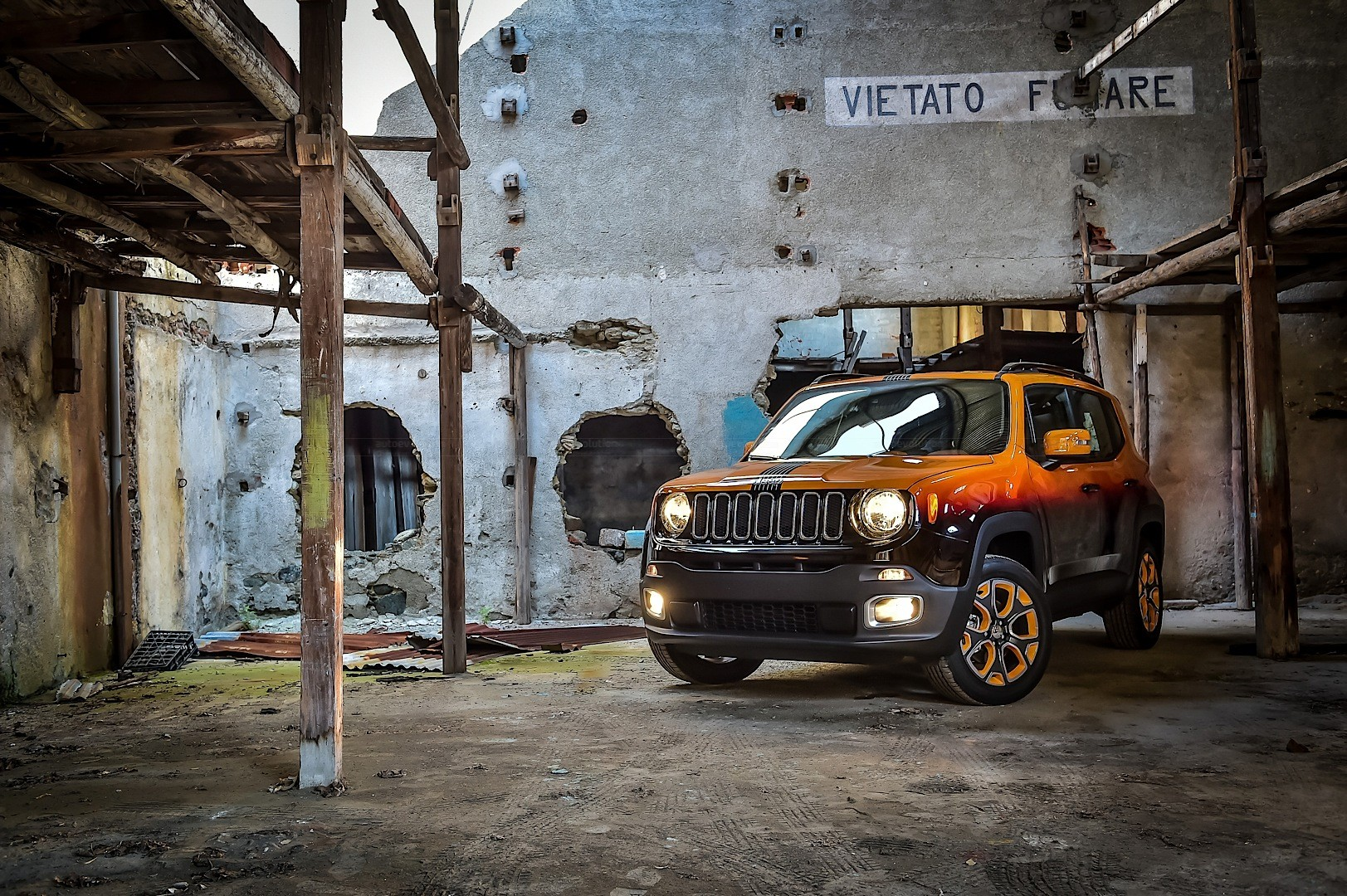Jeep Renegade Twins Get Custom Paint For Montreux Jazz