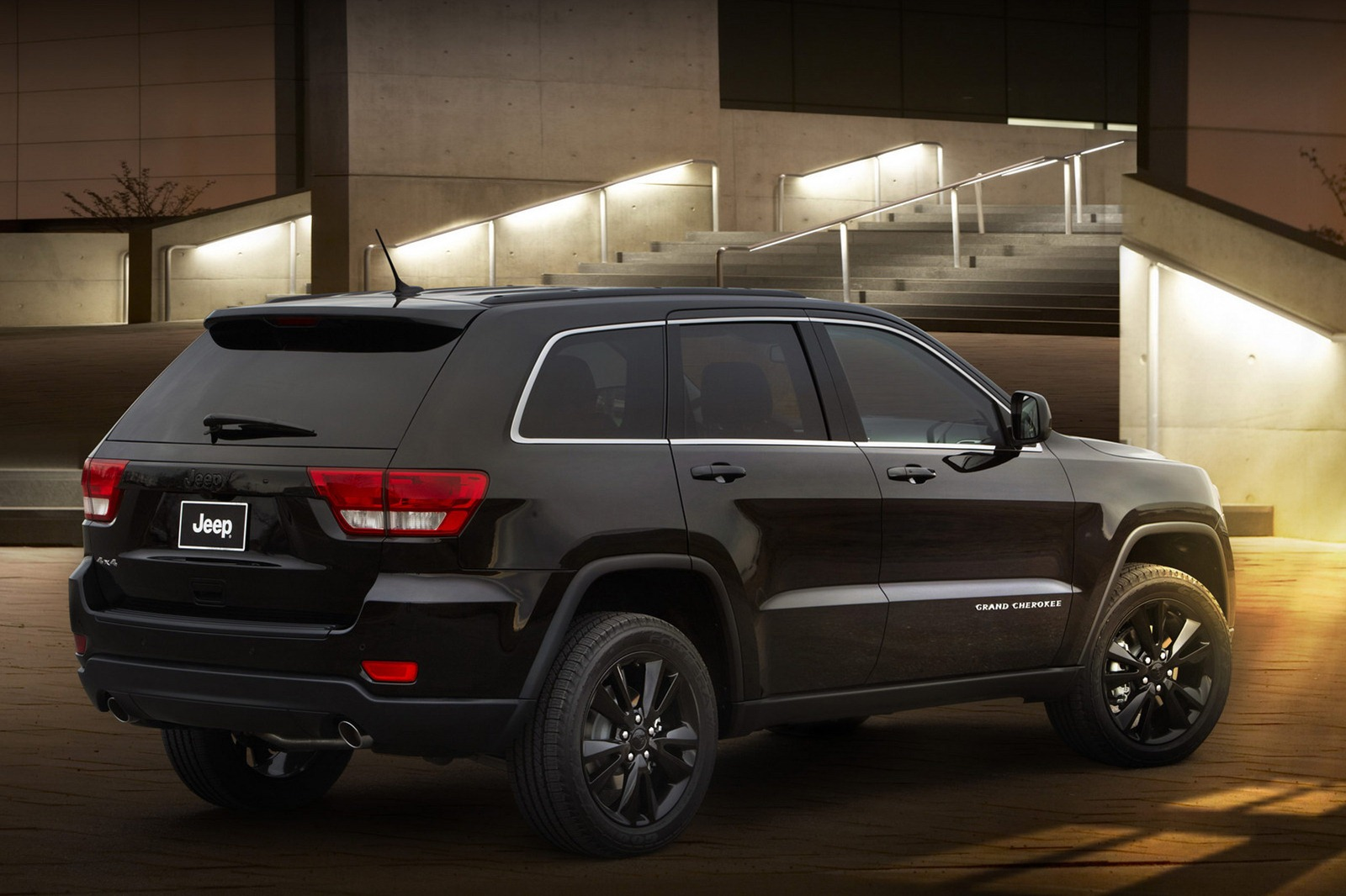 Custom Jeep Grand Cherokee >> Jeep Unveils Nameless All-Black Jeep Grand Cherokee ...
