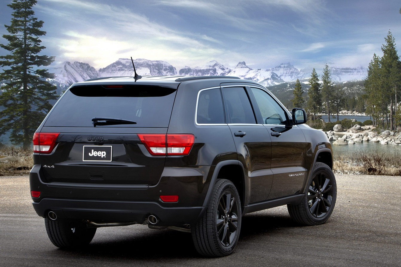 Jeep Unveils Nameless All Black Jeep Grand Cherokee on 2014 Jeep Cherokee Trailhawk Engine