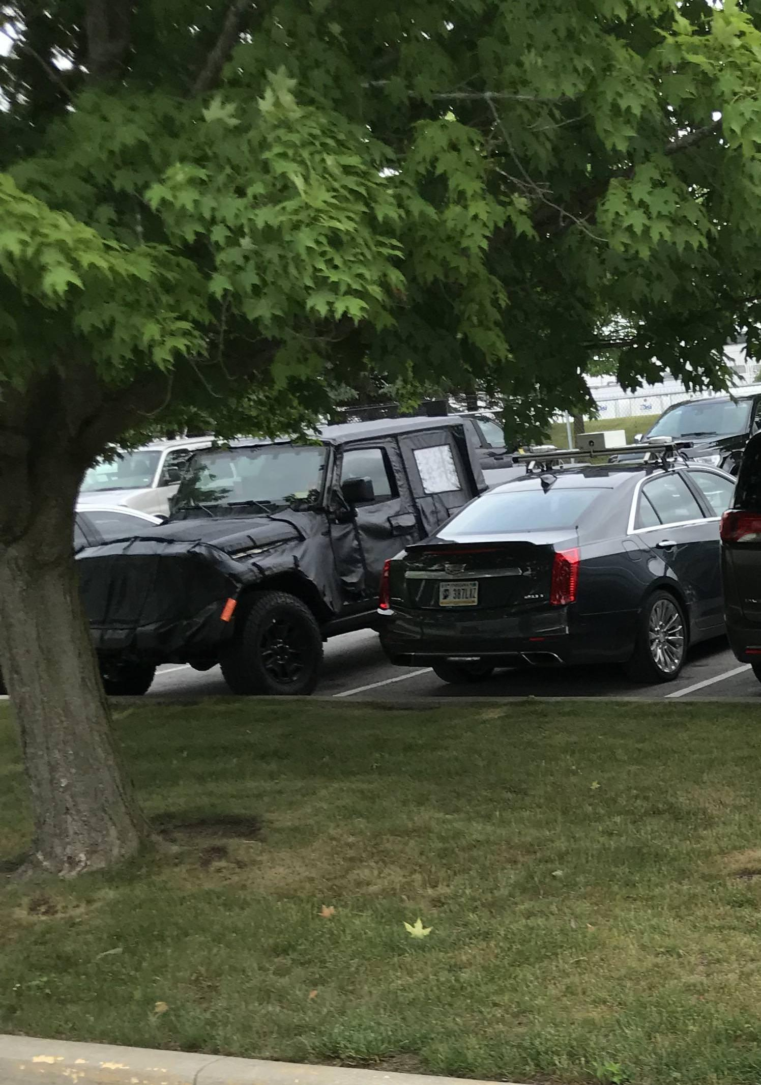 Jeep Wrangler Scrambler Pickup Truck Spotted Will Have Removable