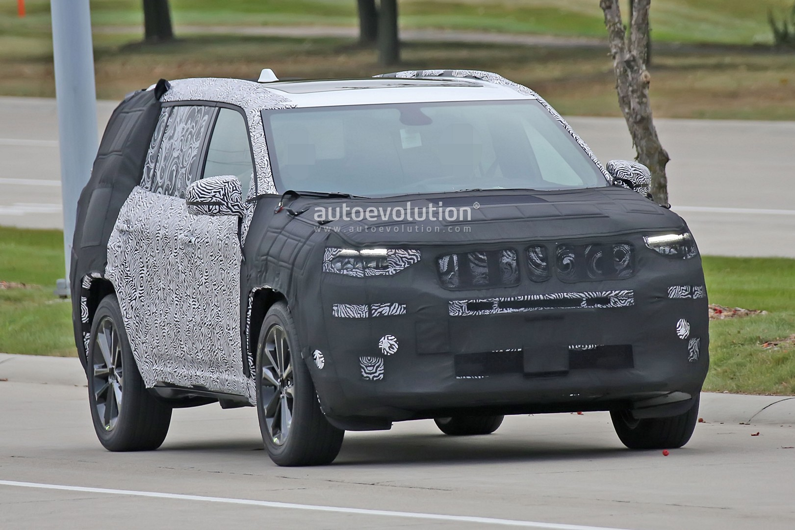 Production-spec Jeep Yuntu Concept Could Be Called Grand ...