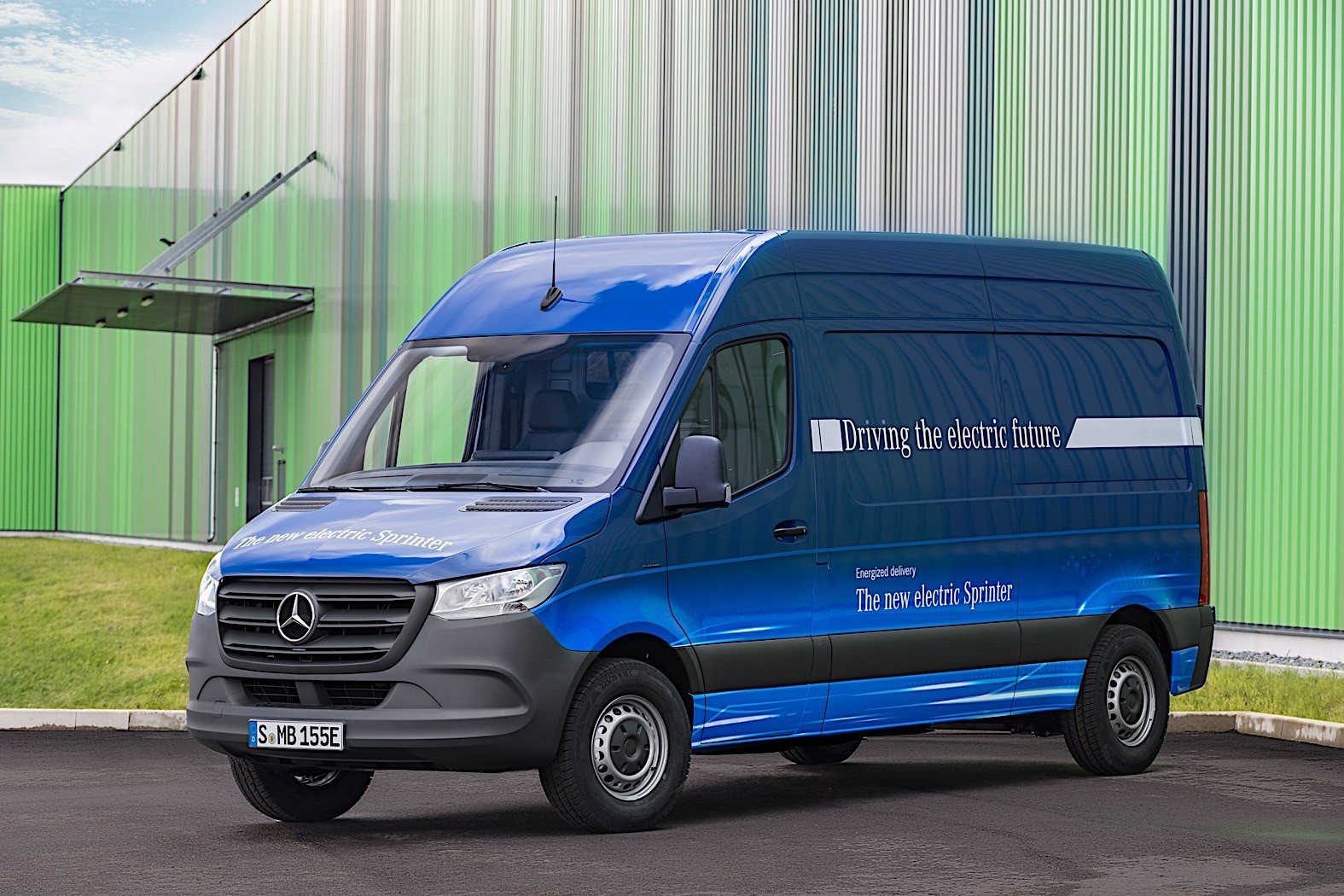 Mercedes-Benz Sprinter-based RV Reviewed by AutoBlog ...