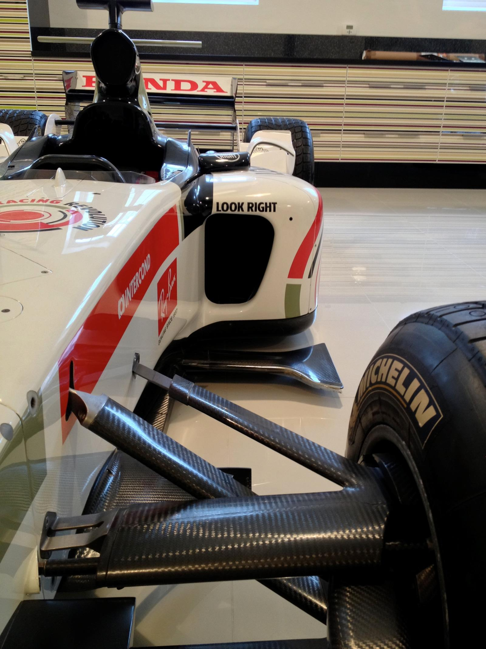 One Seater Car >> Jenson Button's BAR Honda 006 Formula 1 Car On Sale for £60,000 - autoevolution