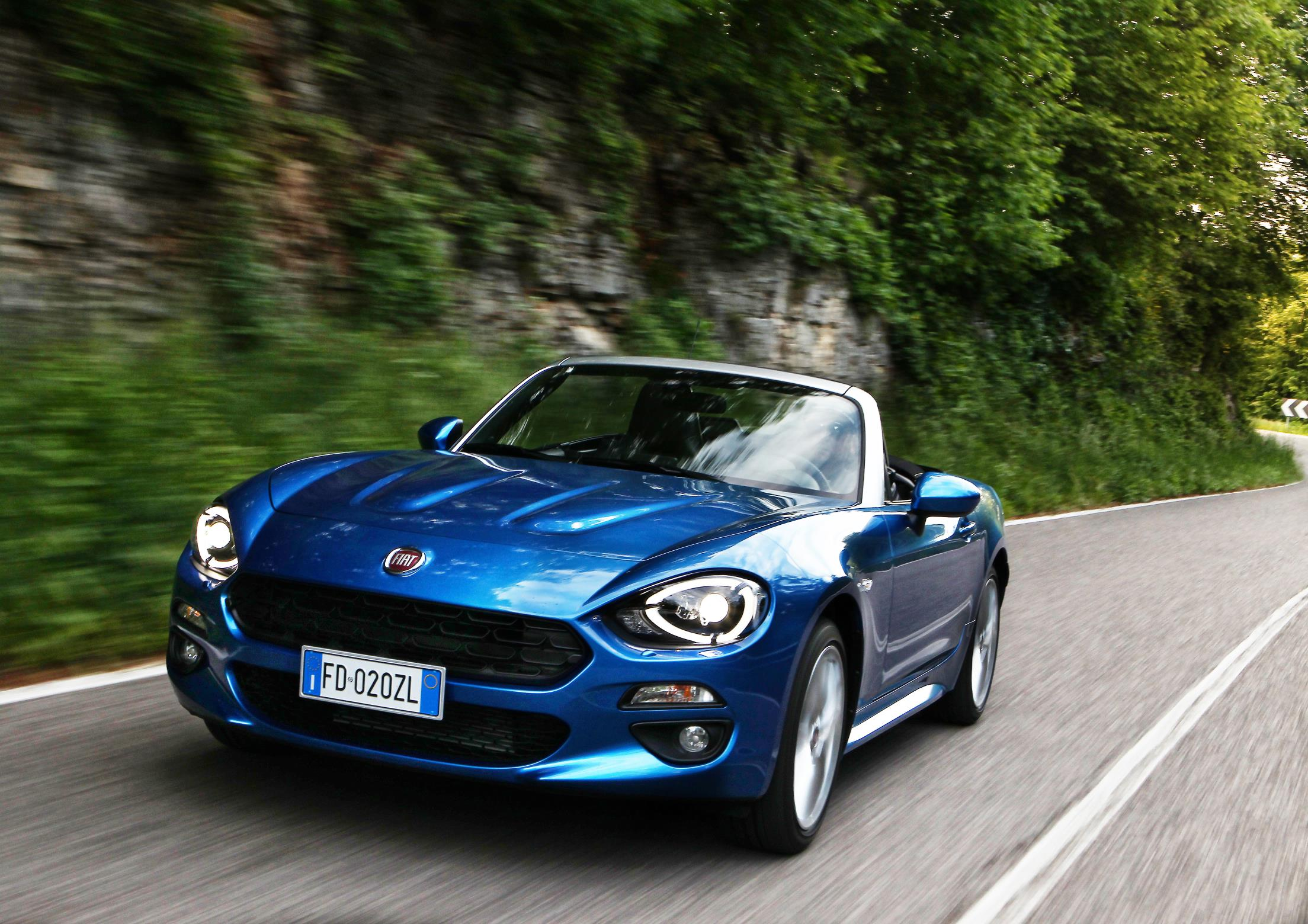 jeremy clarkson reviews the fiat 124 spider calls it inferior to the mazda mx 5 autoevolution. Black Bedroom Furniture Sets. Home Design Ideas