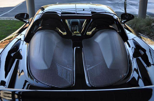 http://s1.cdn.autoevolution.com/images/news/gallery/jerry-seinfeld-s-porsche-carrera-gt-up-for-sale_6.jpg