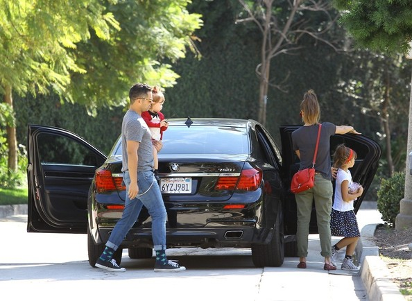 Jessica Alba And Family Drive To The Park In Their Bmw 7
