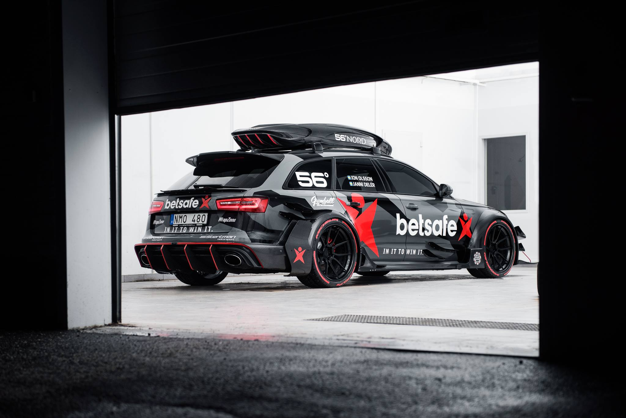 Jon Olsson S Audi Rs6 Dtm Has Gold Anodized Turbochargers