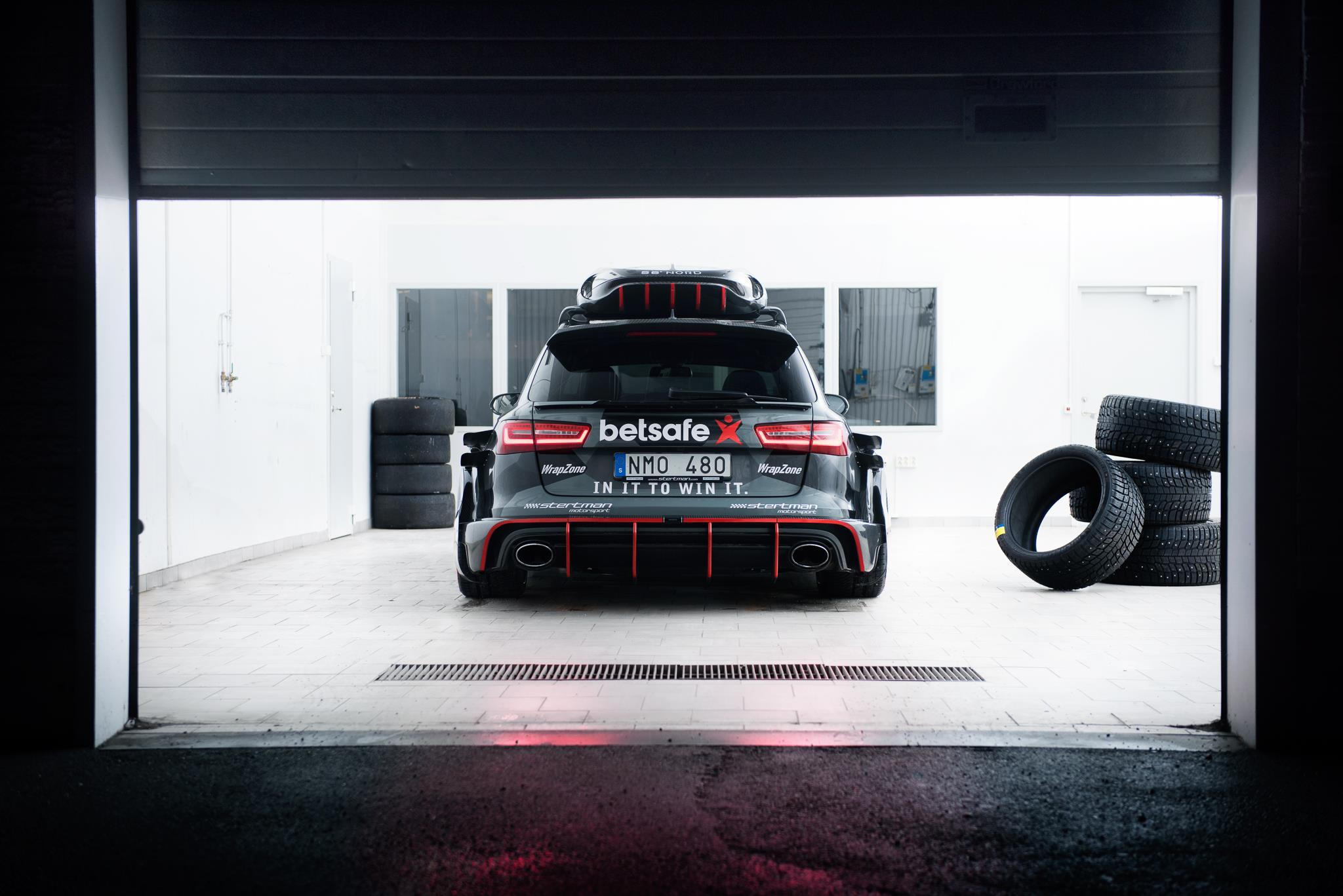 Jon Olsson S Audi Rs6 Dtm Has Gold Anodized Turbochargers