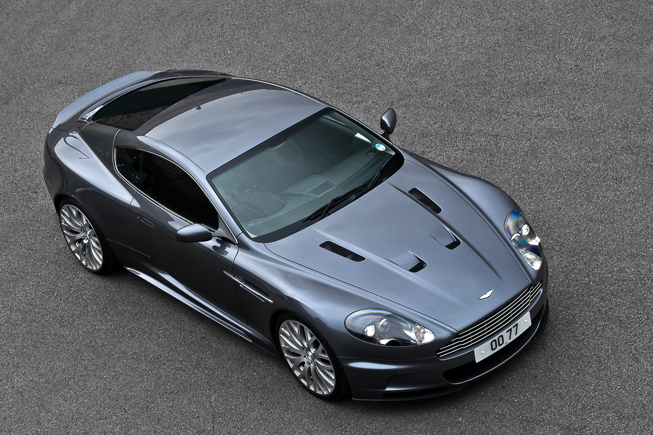 aston martin james bond casino royal