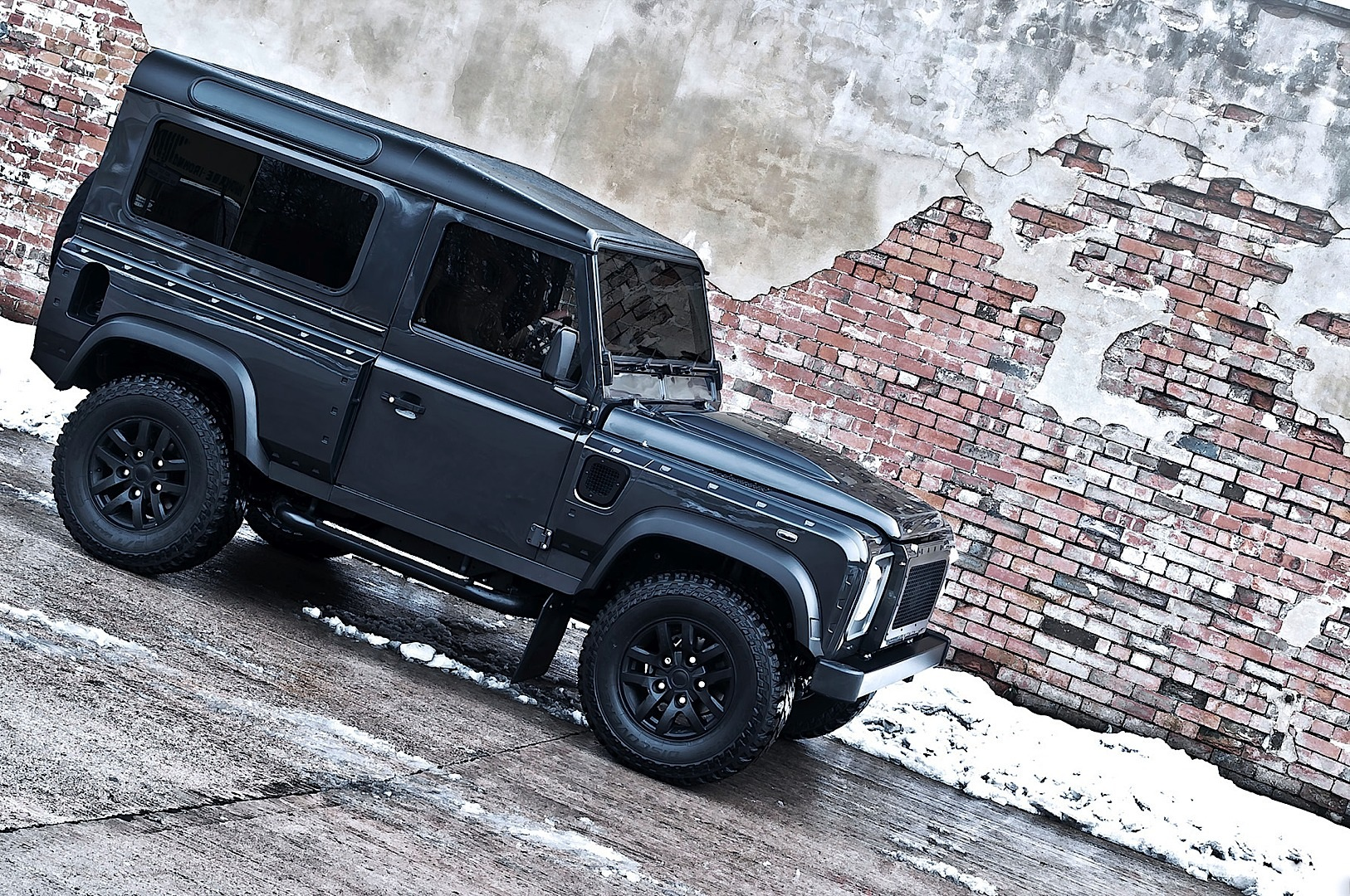 kahn land rover defender military edition with wide body kit autoevolution. Black Bedroom Furniture Sets. Home Design Ideas
