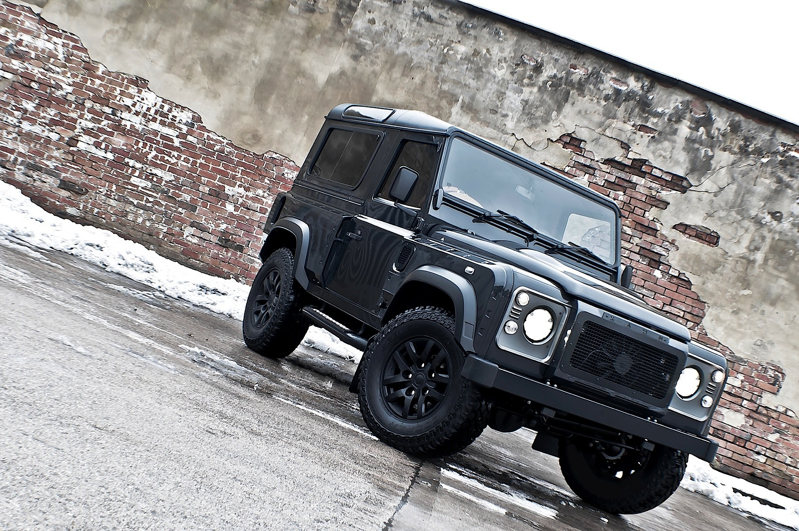 Kahn Land Rover Defender Military Edition With Wide Body