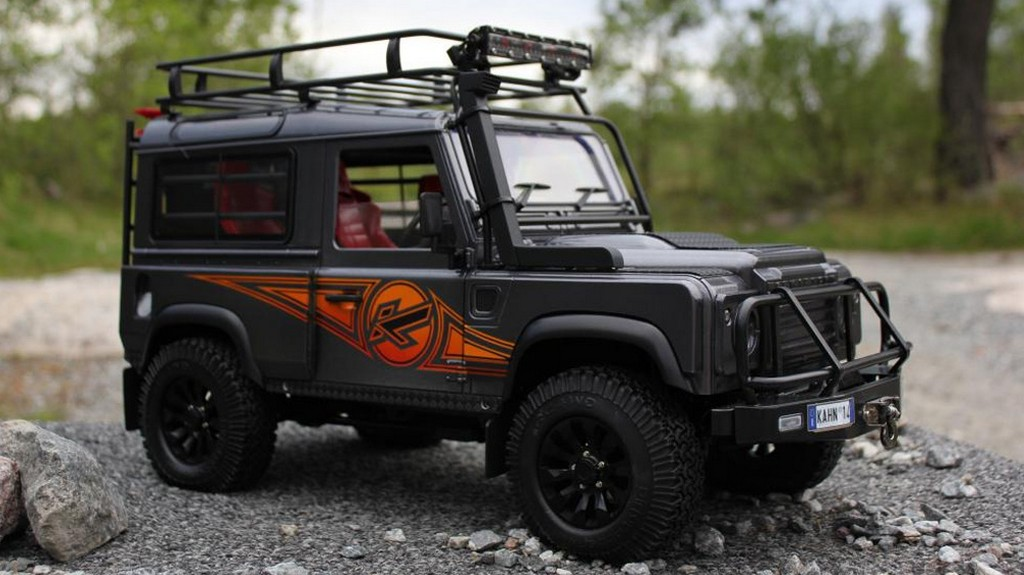 kahn land rover defender rc model looks as real as it can. Black Bedroom Furniture Sets. Home Design Ideas