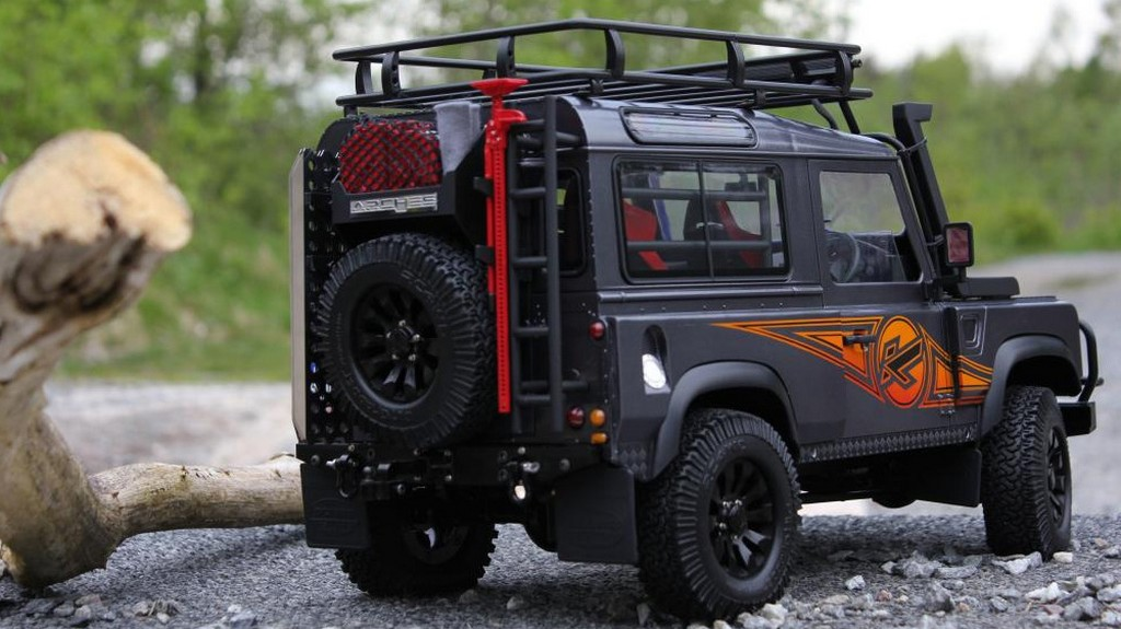 Kahn Land Rover Defender Rc Model Looks As Real As It Can