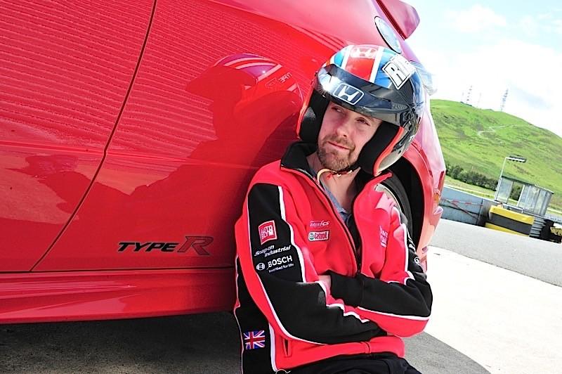 Kaiser Chief S Ricky Wilson Becomes Honda Civic Type R