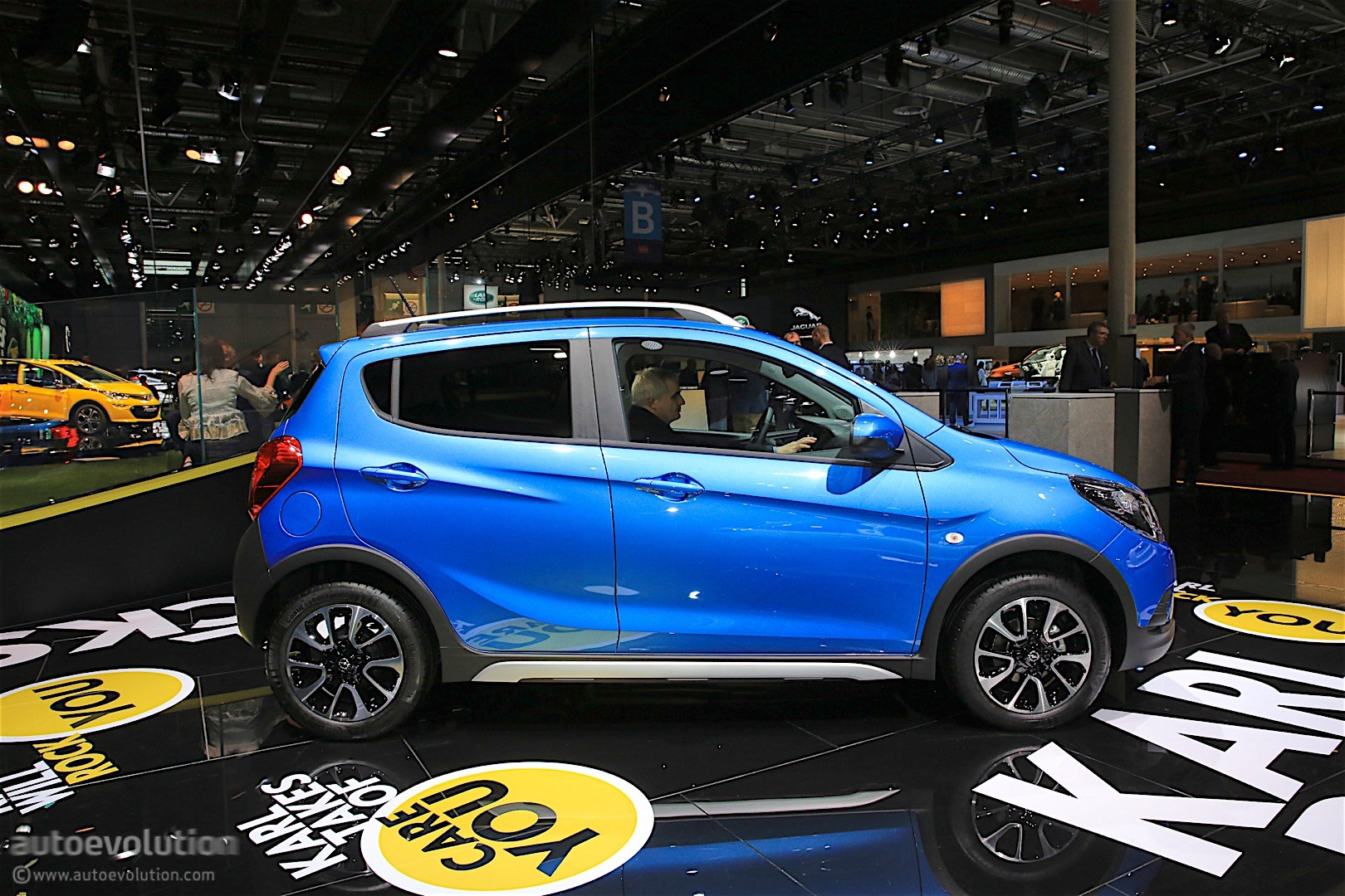 Opel Karl Rocks Was Unveiled In Paris It S A Crossover Inspired City Car Autoevolution