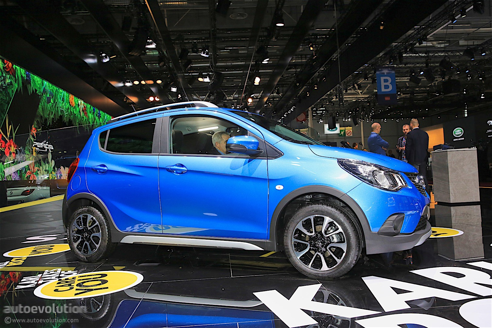 Opel Karl Rocks Was Unveiled In Paris, It's A Crossover ...