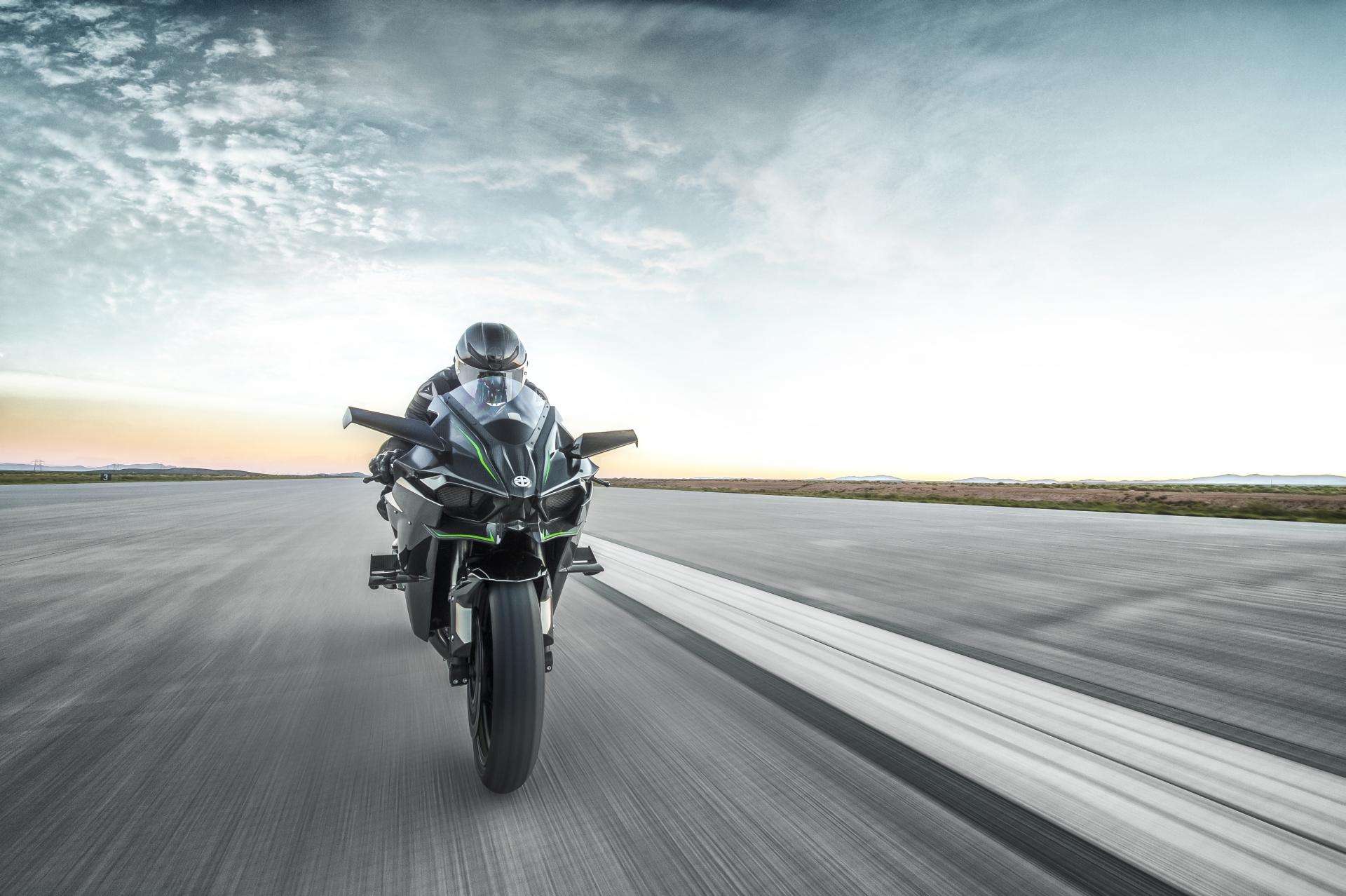 Kawasaki Ninja H2 And H2r Prices Confirmed Autoevolution