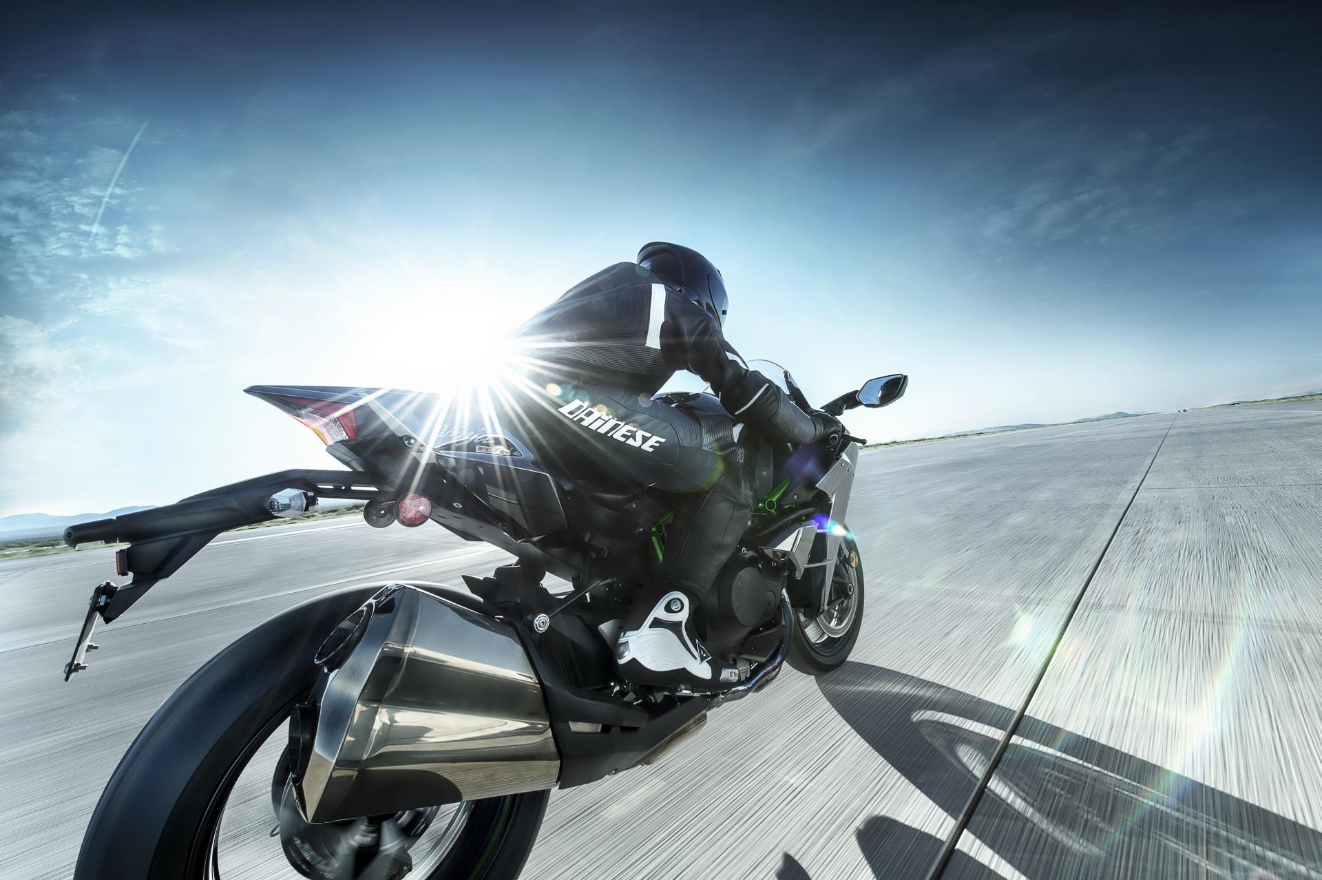 Kawasaki Ninja H2 Price >> Kawasaki Ninja H2 and H2R Prices Confirmed - autoevolution