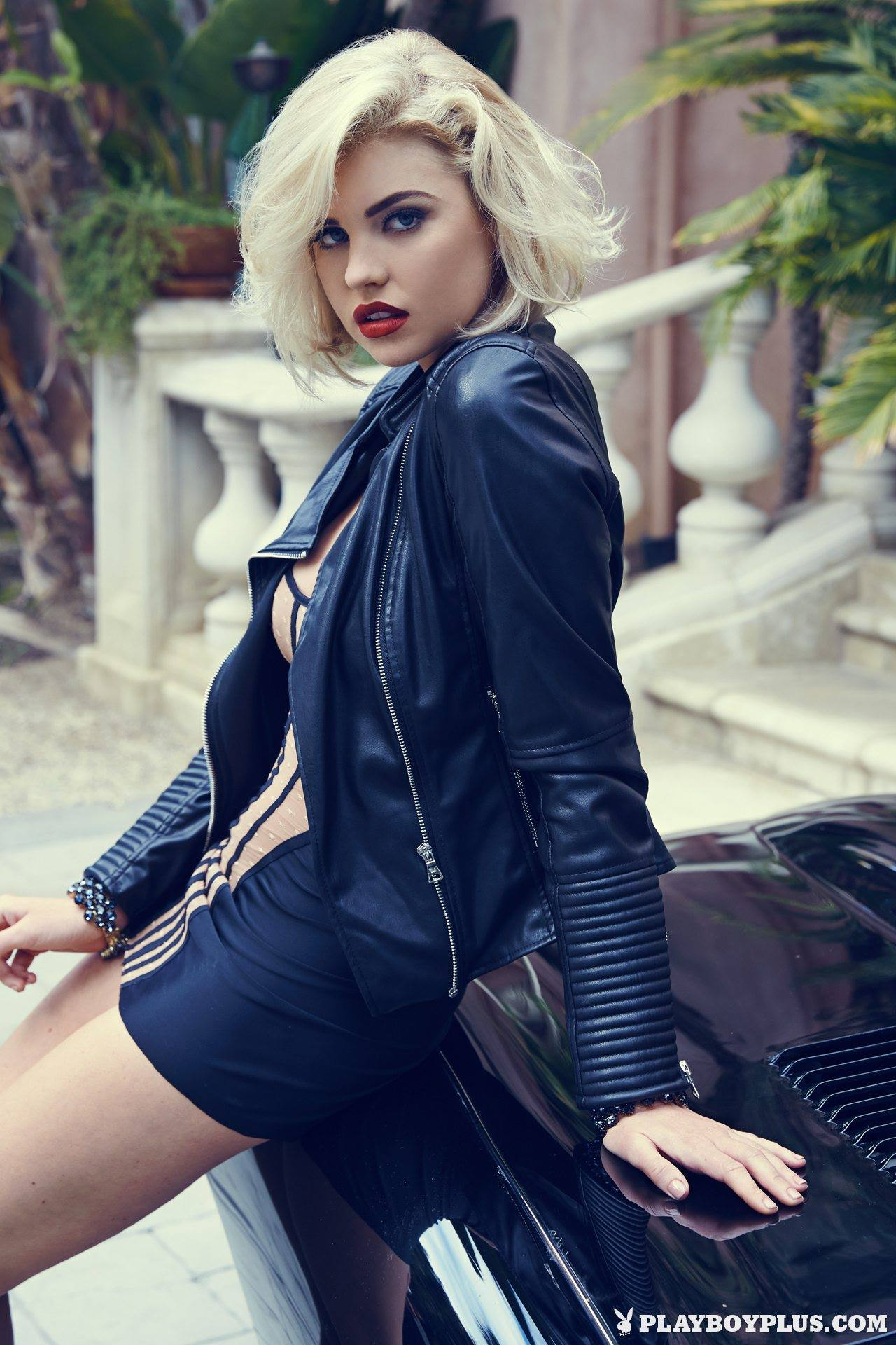 Jaguar F Type Coupe >> Kayslee Collins Does Playboy Shoot in Jaguar E-Type Coupe ...