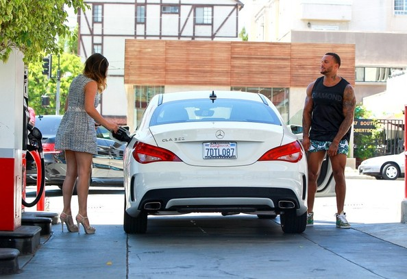 Kelly Brook Is Hot Driving Her Mercedes CLA 250: Never ...