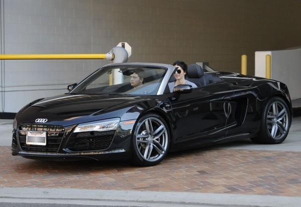 Kendall Jenner Can't Make Up Her Mind - Audi R8 Spyder or ...