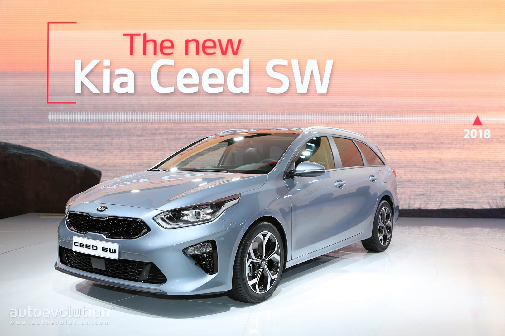 Kia Ray Plug In Hybrid Concept Coming At Chicago