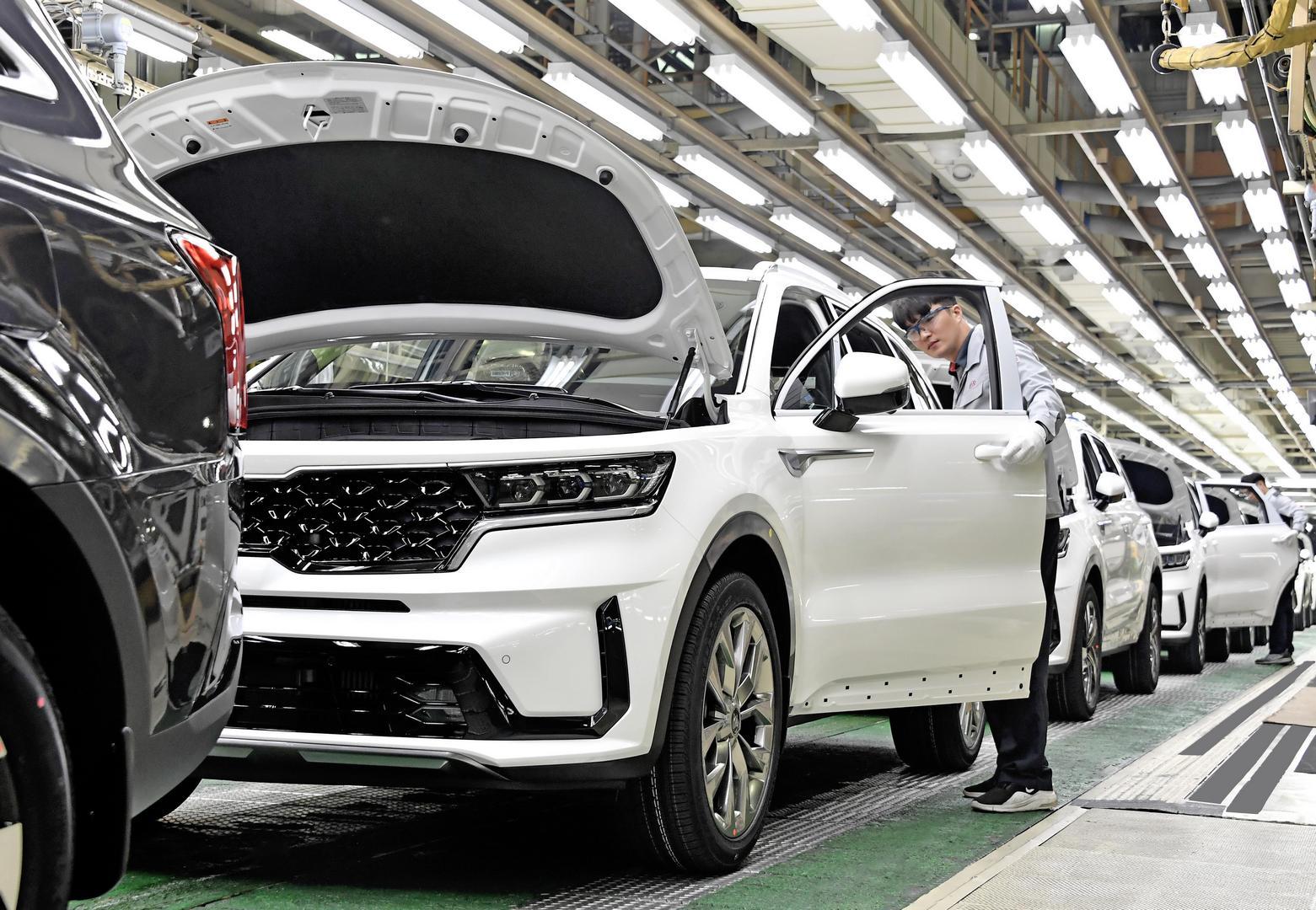 2021 - [Kia] Sorento IV - Page 4 Kia-introduces-ceed-with-mhev-and-imt-sorento-hybrid-production-kicks-off_2