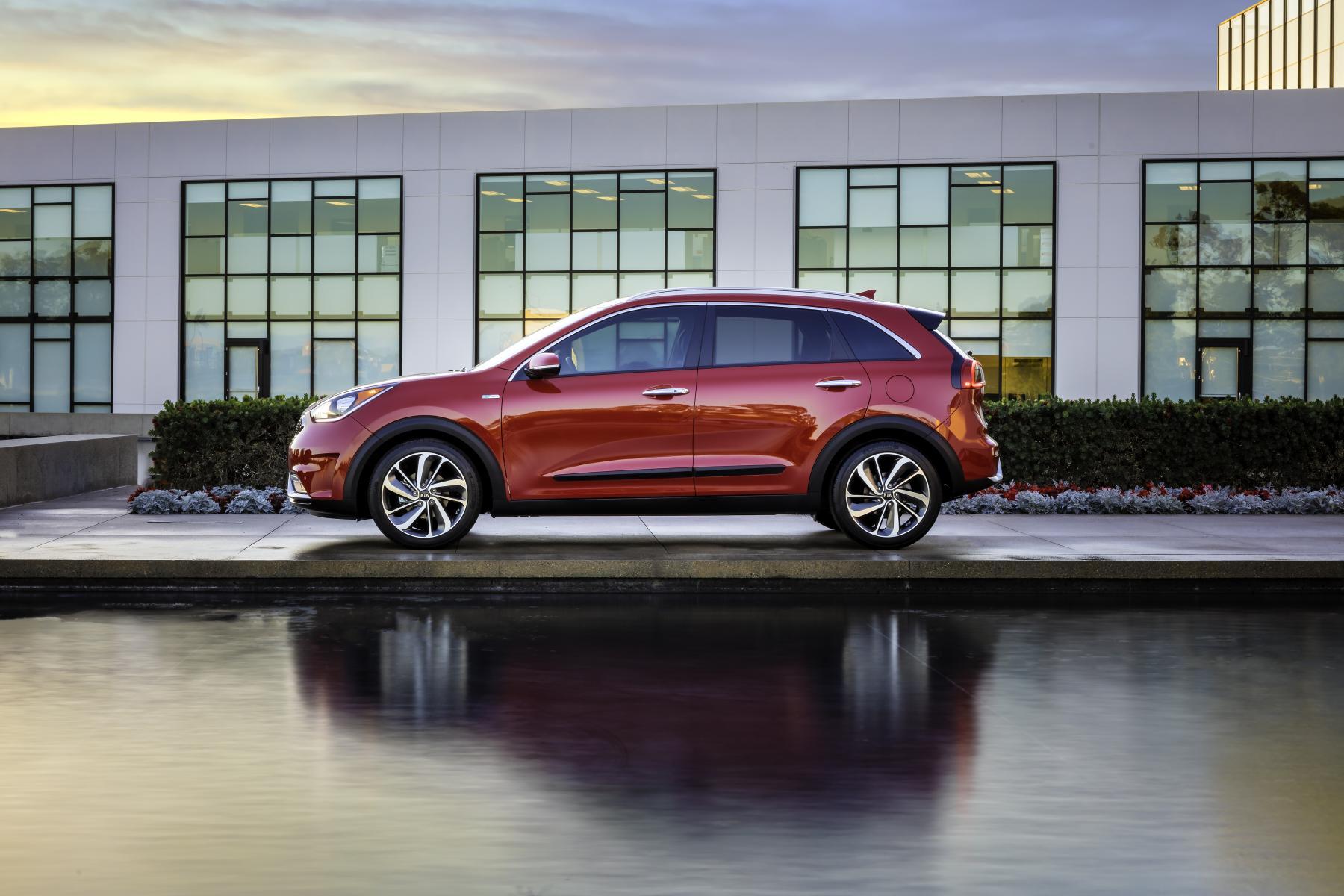 Kia Niro Electric Confirmed For 2018, To Use Hyundai Ioniq ...