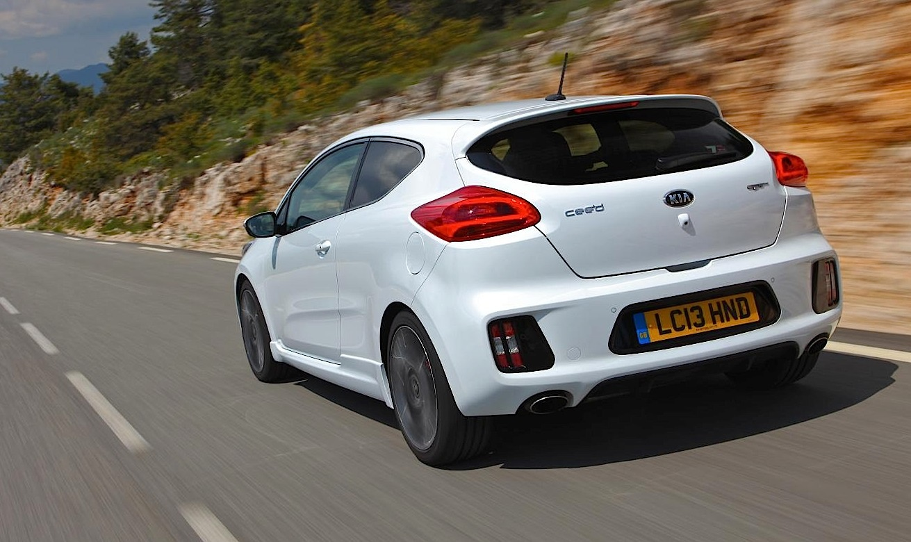 kia pro cee 39 d gt launched in britain pricing announced autoevolution. Black Bedroom Furniture Sets. Home Design Ideas