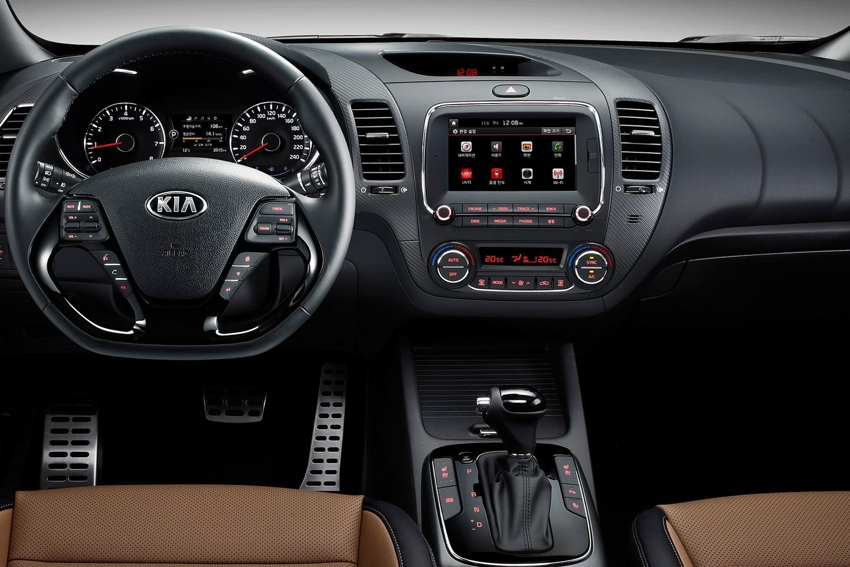 Kia reveals new k3 forte cerato in korea autoevolution for Interiores 2016