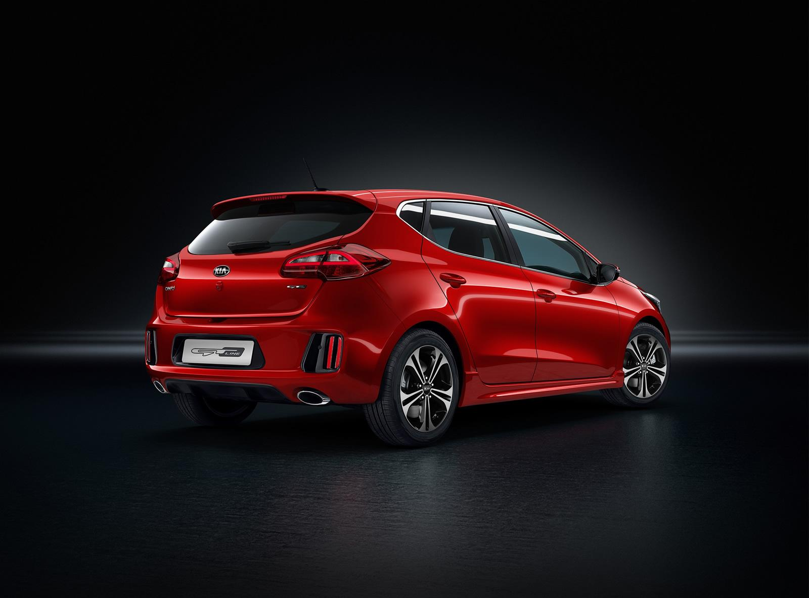 kia shows cee 39 d gt line with body kit 1 liter turbo t gdi engine and 7 speed dct autoevolution. Black Bedroom Furniture Sets. Home Design Ideas