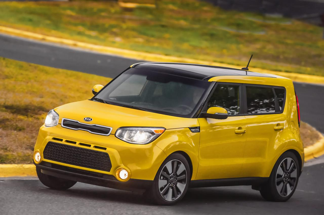 After Its Electrically Ed Sibling We Got To Meet And Greet Last Month The 2016 Kia Soul Shows Face In Traditional Ice Internal Combustion