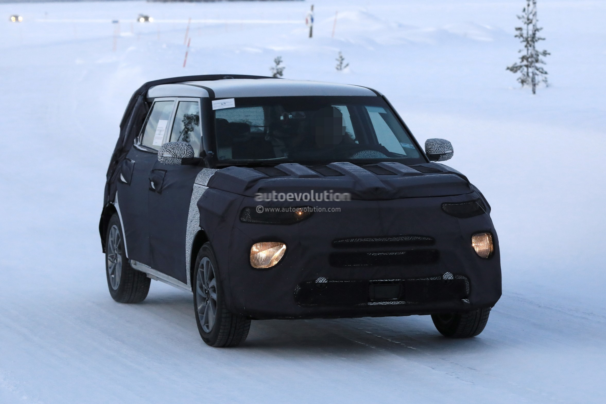 Spyshots 2020 Kia Soul Looks Even Boxier Than Before