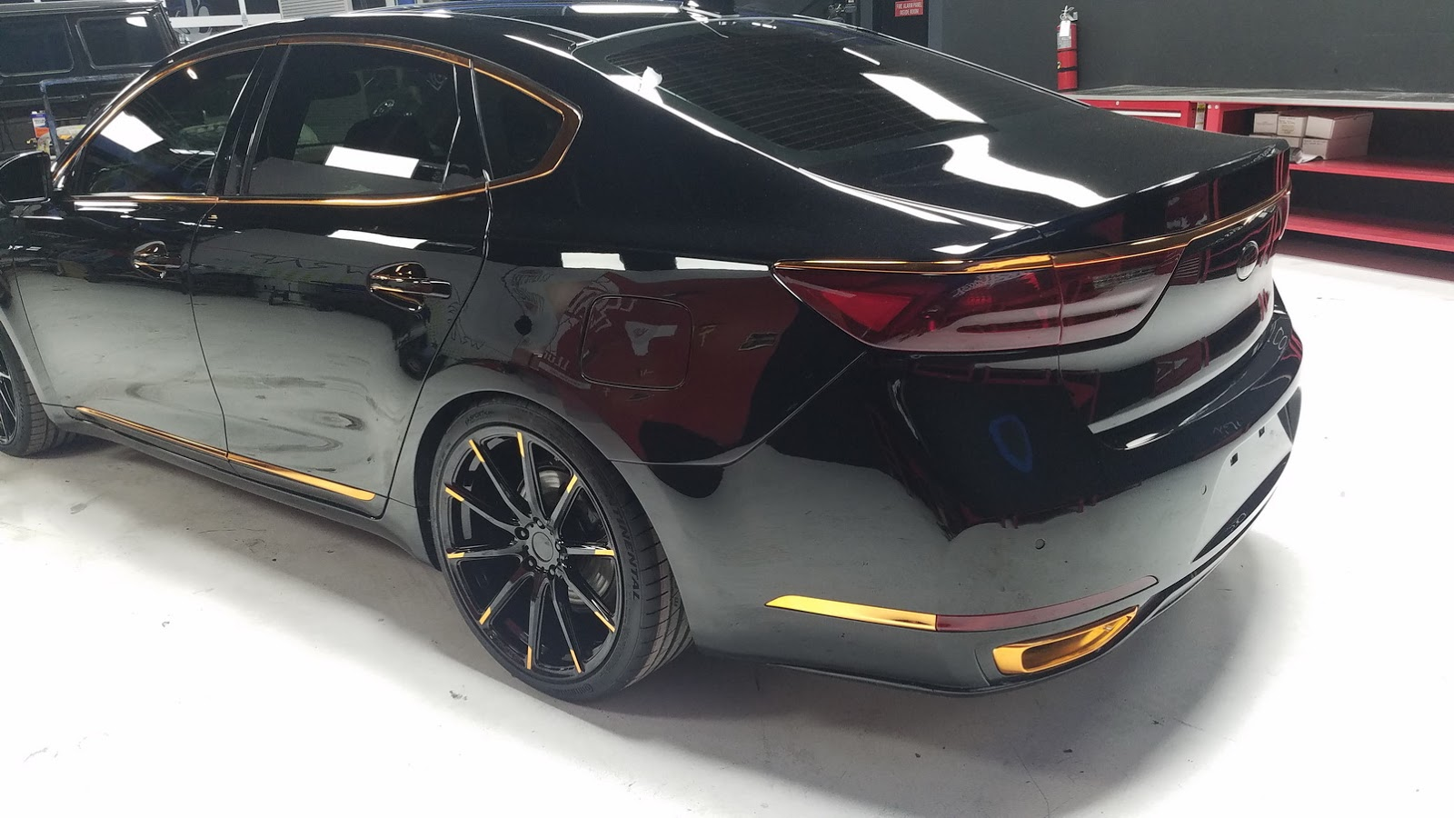 Car Body Kits >> Kia Stinger GT and Cadenza Tuning Projects Debut at SEMA With WCC's Help - autoevolution