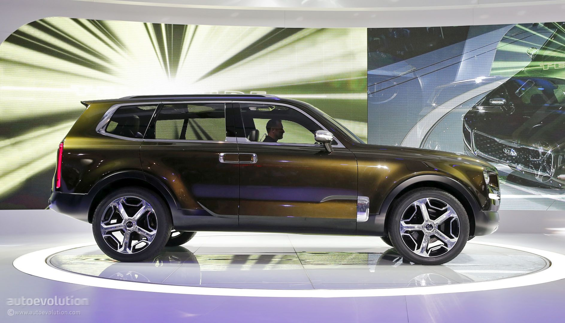 Kia Telluride Concept Side View