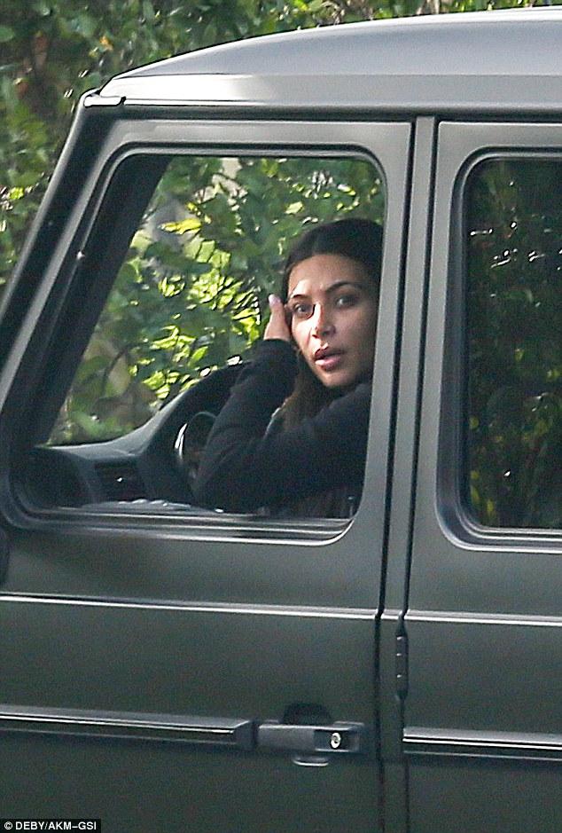 Kim Kardashian Reverses Her G 63 Amg Into A Nissan