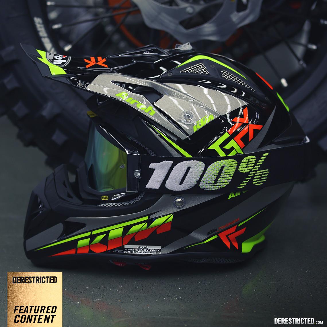 Kiska Designed 2015 Ktm Airoh Aviator 2 1 Helmets