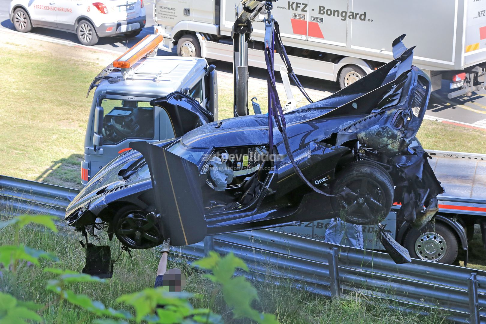 Update Koenigsegg One 1 Destroyed In Nurburgring Crash Hypercar Caught Fire Autoevolution